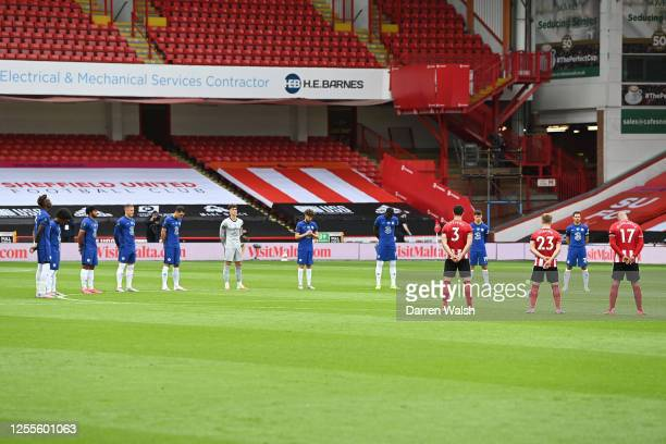 Players and officials take part in a minute of silence to pay tribute to Jack Charlton prior to the Premier League match between Sheffield United and...