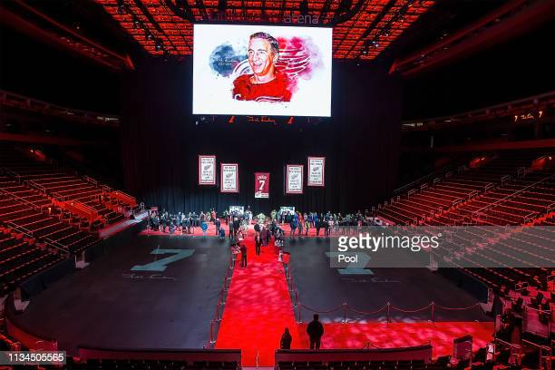 Players and staff of the Detroit Red Wings pay their respects to the Lindsay family during the public visitation of NHL Hall of Famer and former...