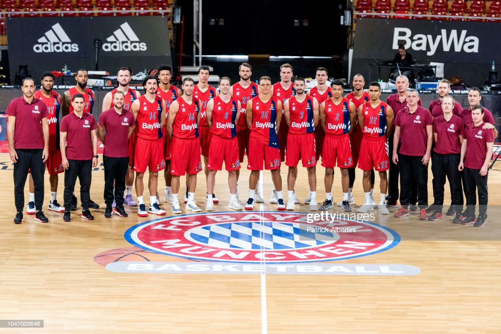 Players And Technical Staff Members Poses During The Fc Bayern