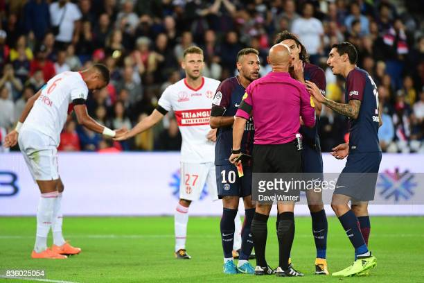 PSG players argue about a red card given to Marco Verratti of PSG by referee Amaury Delerue during the Ligue 1 match between Paris Saint Germain and...