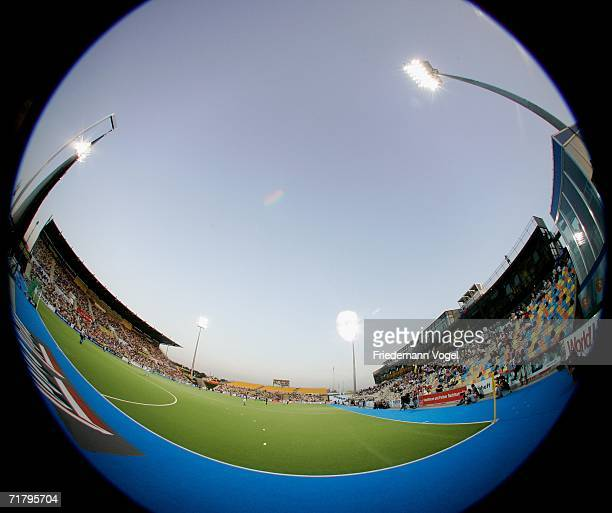 Players compete during the World Cup Pool A match between Argentina and New Zealand at the Warsteiner Hockey Park on September 6 2006 in...