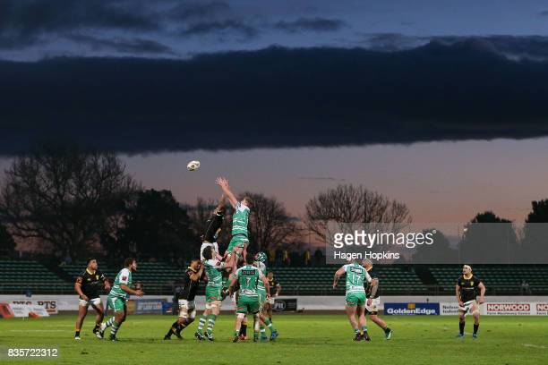 Players contest a lineout during the round one Mitre 10 Cup match between Manawatu and Wellington at Central Energy Trust Arena on August 20, 2017 in...