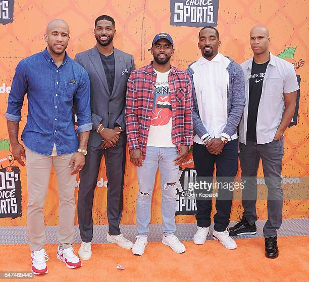 NBA players Dahntay Jones Tristan Thompson Kyrie Irving J R Smith and Richard Jefferson of the Cleveland Cavaliers arrive at Nickelodeon Kids' Choice...