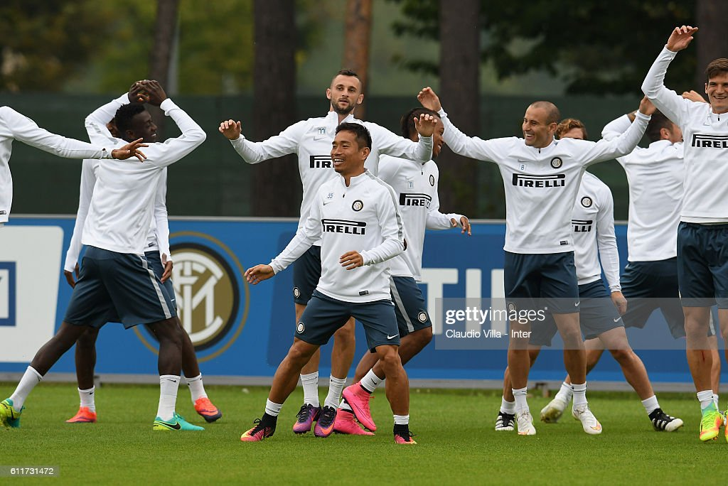 Players during the FC Internazionale training session at the club's training ground at Appiano Gentile on October 01, 2016 in Como, Italy.
