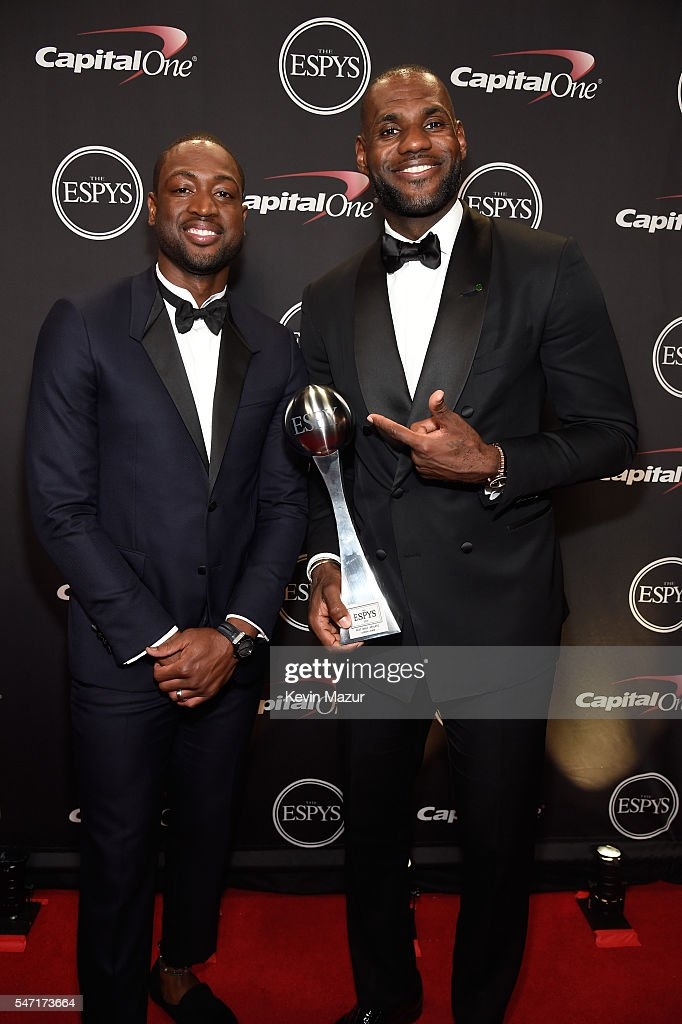 NBA players Dwyane Wade (L) and LeBron James pose with the Best Male Athlete award backstage during the 2016 ESPYS at Microsoft Theater on July 13, 2016 in Los Angeles, California.