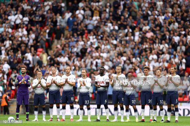 Players Fans and Officials take part in a minute applause in memory of Alan Gilzean former Tottenham Hotspur player ahead of the Premier League match...