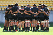 wellington new zealand players form huddle