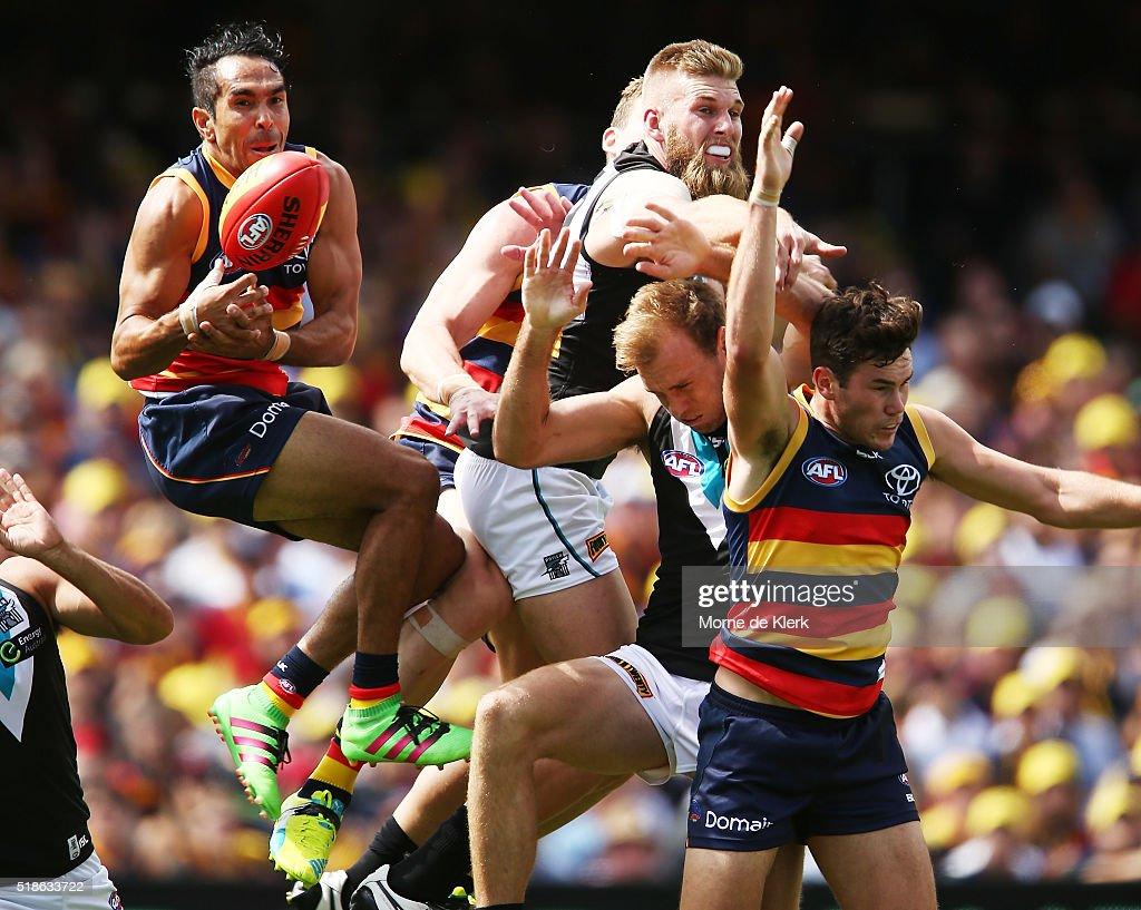 AFL Rd 2 - Adelaide v Port Adelaide : News Photo