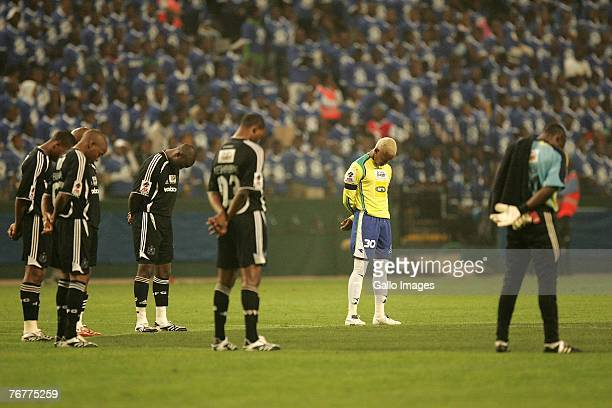 South african gift leremi stock photos and pictures getty images players from both teams give a minutes silence for recently deceased player gift leremi prior to negle Choice Image
