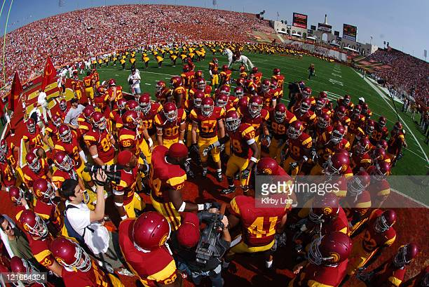 USC players huddle before Pacific10 Conference game against Washington at the Los Angeles Memorial Coliseum in Los Angeles Calif on Saturday October...