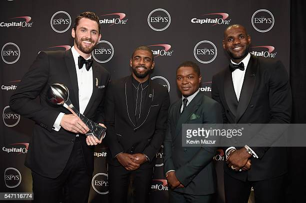 NBA players Kevin Love Kyrie Irving actor David Oyelowo and NBA player LeBron James pose with the award for Best Moment at the 2016 ESPYS at...