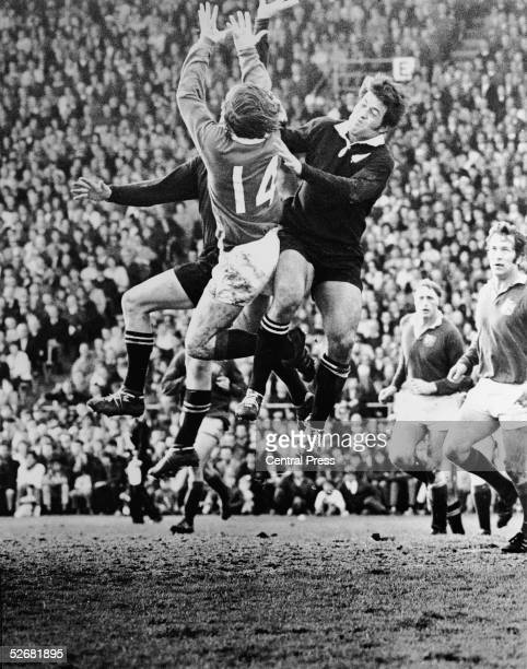 Players leap for the ball during the fourth test match between the British Lions and the All Blacks at Eden Park Auckland 20th August 1971 Wingers...