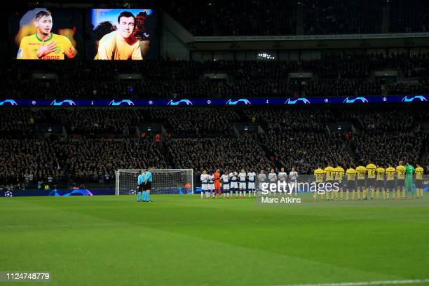 Players observe a minutes silence paying respect to Emiliano Sala and Gordon Banks during the UEFA Champions League Round of 16 First Leg match...