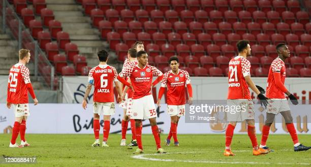 Players of 1. FSV Mainz 05 are seen during the Bundesliga match between 1. FSV Mainz 05 and VfL Wolfsburg at Opel Arena on January 19, 2021 in Mainz,...