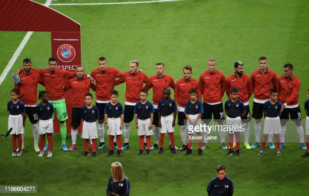 Players of Albania pose line up during the 2020 UEFA European Championships Group H qualifying match between France and Albania at Stade de France on...