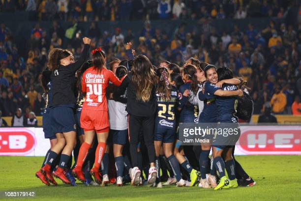Players of America celebrate after victory during the final second leg match between Tigres UANL and America as part of the Torneo Apertura 2018 Liga...
