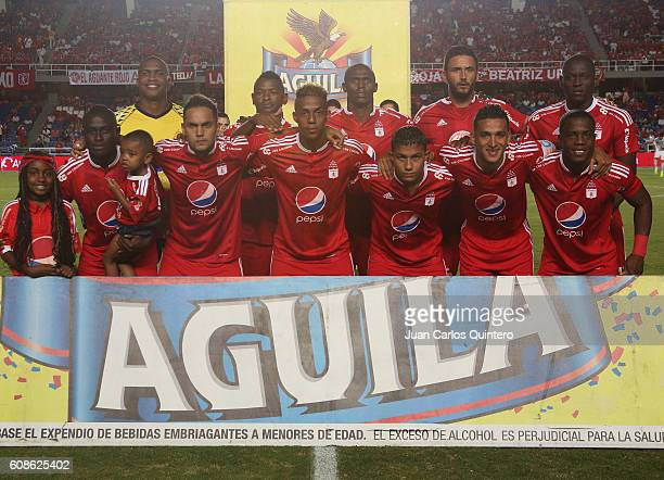 Players of America de Cali de Cali pose for a team picture before a match between America de Cali and Barranquilla FC as part of round 12 of Torneo...