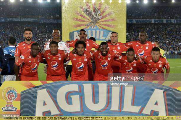 Players of America de Cali pose for a picture prior to the second leg match between Millonarios and America de Cali as part of the Liga Aguila II...