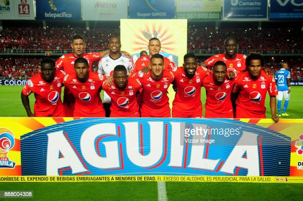 Players of America de Cali pose for a team photo prior to a match for the first leg semifinal of Liga Aguila II 2017 at Pascual Guerrero Stadium on...