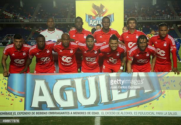 Players of America de Cali pose prior a match between America de Cali and Real Cartagena as part of fifth round of Quadrangular Group A Torneo Aguila...