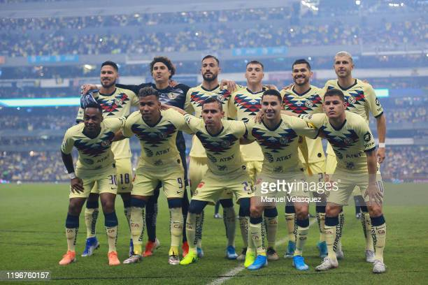 Players of America pose for the group photo prior the Final second leg match between America and Monterrey as part of the Torneo Apertura 2019 Liga...