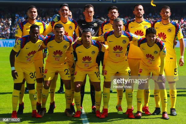 Players of America pose prior the 3rd round match between Pumas UNAM and America as part of the Torneo Clausura 2018 Liga MX at Olimpico...
