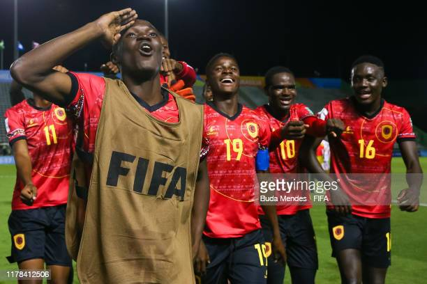 Players of Angola celebrate the victory after the FIFA U17 Men's World Cup Brazil 2019 group A match between New Zealand and Angola at Valmir Campelo...