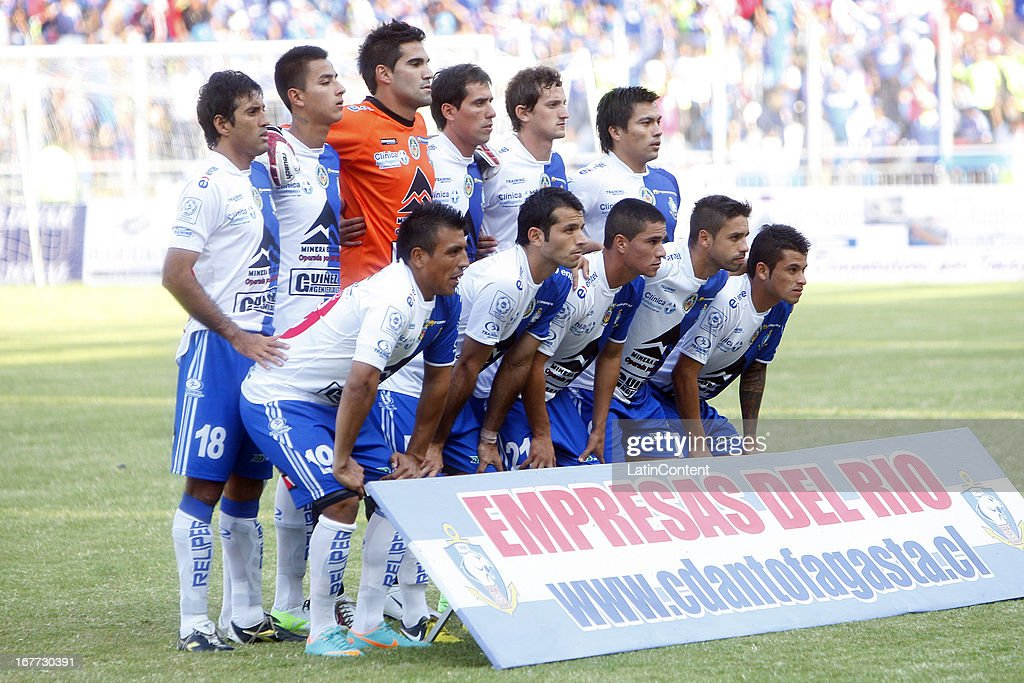 Players of Antofagasta pose during a match between Antofagasta and Universidad de Chile as part of Torneo Descentralizado 2013 at Bicentenario Calvo y Bascunan stadium on April 28, 2013 in Antofagasta, Chile.