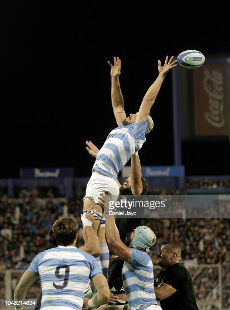 Players of Argentina and players of New Zealand go for the ball during a match between Argentina and New Zealand as part of The Rugby Championship...