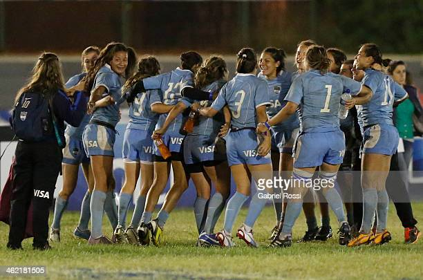 Players of Argentina celebrate after wining the womens gold cup final match between Argentine and Uruguay as part of Dove Women's Sevens at Parque...