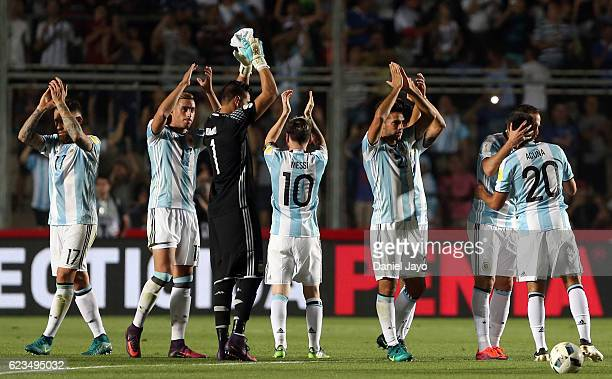 Players of Argentina greet fans at the end of a match between Argentina and Colombia as part of FIFA 2018 World Cup Qualifiers at Bicentenario de San...