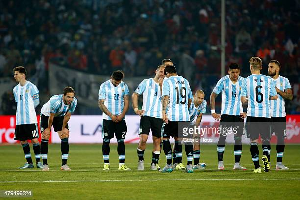Players of Argentina look dejected after the 2015 Copa America Chile Final match between Chile and Argentina at Nacional Stadium on July 04 2015 in...