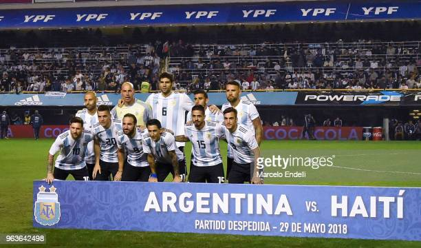 Players of Argentina pose for a photo before an international friendly match between Argentina and Haiti at Alberto J Armando Stadium on May 29 2018...