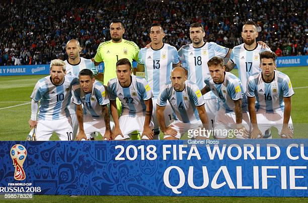 Players of Argentina pose for a photo prior the match between Argentina and Uruguay as part of FIFA 2018 World Cup Qualifiers at Malvinas Argentinas...