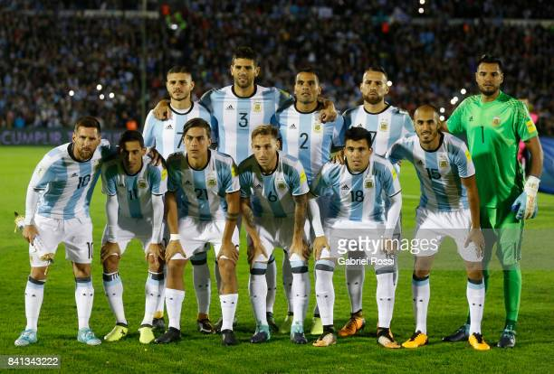 Players of Argentina pose for a team photo prior to the match between Uruguay and Argentina as part of FIFA 2018 World Cup Qualifiers at Centenario...