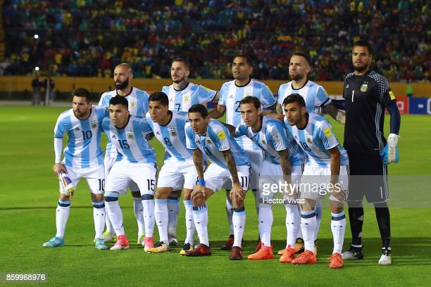 Players of Argentina pose for a team picture prior a match between Ecuador and Argentina as part of FIFA 2018 World Cup Qualifiers at Olimpico...