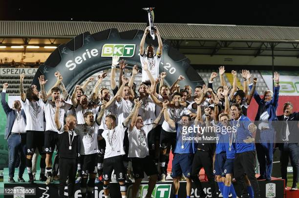 Players of ASC Spezia celebrate promotion to Serie A during the Serie B Playoff Final second leg match between Spezia Calcio and Frosinone Calcio on...