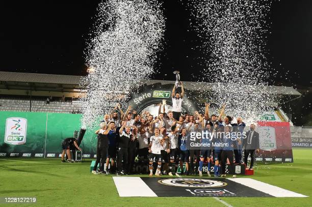 Players of ASC Spezia celebrate promotion to Serie A during the Serie B Playoff Final second leg match between Spezia Calcio and Frosinone Calcioon...