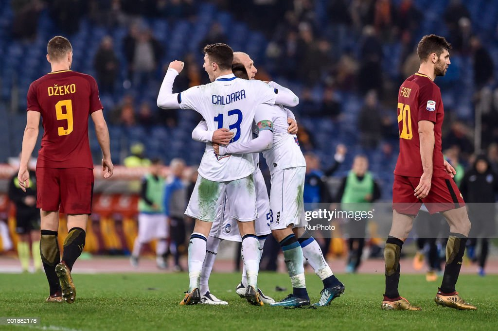 Players of Atalanta celebrate the victory at the end of the Serie A match between Roma and Atalanta at Stadio Olimpico, Rome, Italy on 6 January 2018