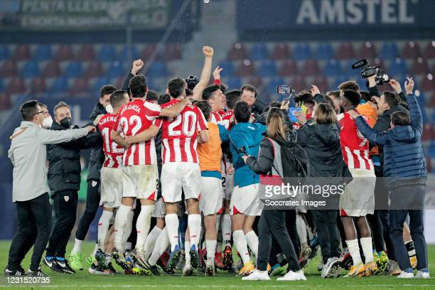 Players of Athletic Bilbao celebrates the victory during the Spanish Copa del Rey match between Levante v Athletic de Bilbao at the Estadi Ciutat de...