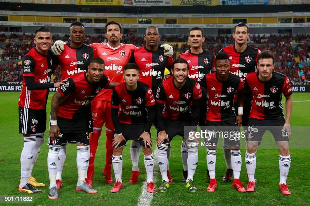 Players of Atlas pose prior the first round match between Atlas and Leon as part of the Torneo Clausura 2018 Liga MX at Jalisco Stadium on January 05...