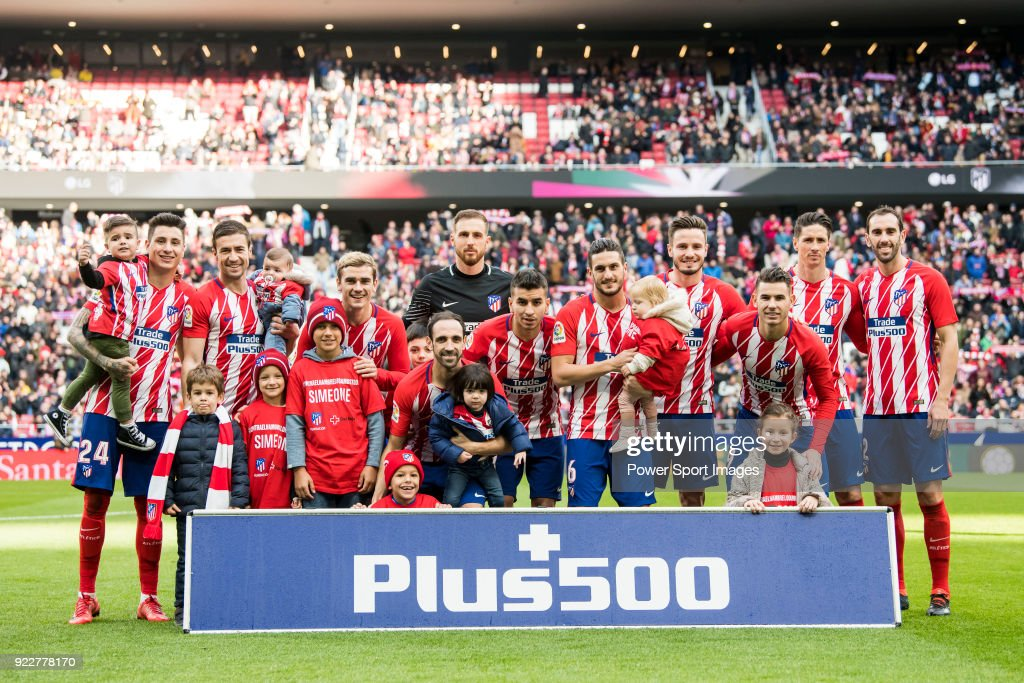 Players of Atletico de Madrid line up and pose for a photo prior to the La Liga 2017-18 match between Atletico de Madrid and UD Las Palmas at Wanda Metropolitano on January 28 2018 in Madrid, Spain.