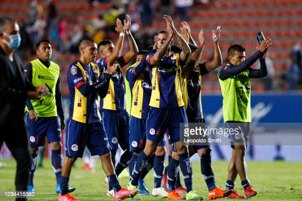 Players of Atletico San Luis aknowledge the fans after a second-round 1-1 tie against Queretaro in the Torneo Grita Mexico A21 Liga MX at Estadio...