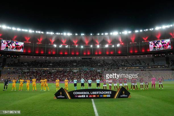 Players of Barcelona and Flamengo line up prior to a semi final first leg match between Flamengo and Barcelona SC as part of Copa CONMEBOL...