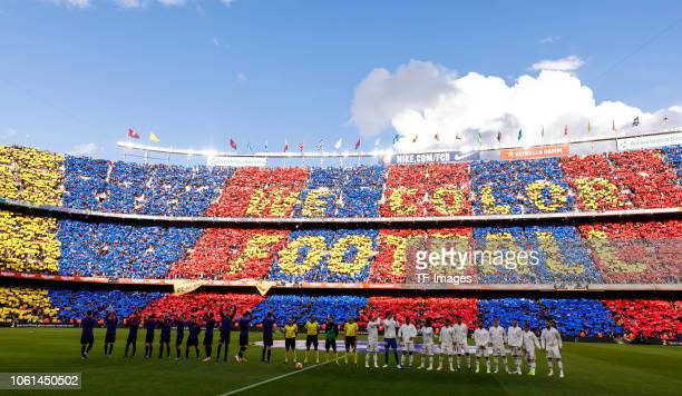 Players of Barcelona and of Real Madrid line up prior the La Liga match between FC Barcelona and Real Madrid CF at Camp Nou on October 28 2018 in...