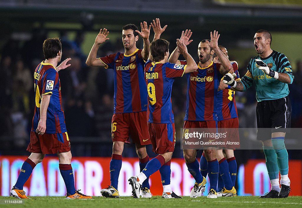 Players of Barcelona celebrate the victory after the La Liga match between Villarreal and Barcelona at El Madrigal on April 2, 2011 in Villarreal, Spain.