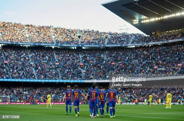 Players of Barcelona celebrates a goal during the La Liga match between FC Barcelona and Villarreal CF at Camp Nou Stadium on May 6 2017 in Barcelona...
