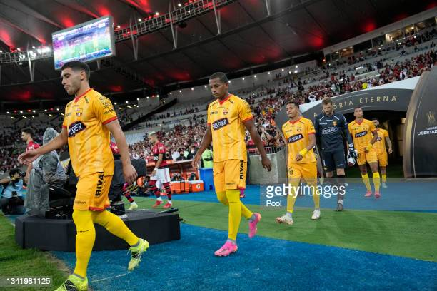 Players of Barcelona SC enter the pitch prior to a semi final first leg match between Flamengo and Barcelona SC as part of Copa CONMEBOL Libertadores...