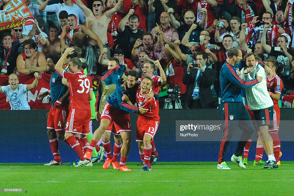 Players of Bayern celebrate following the UEFA Super Cup match between FC Bayern Muenchen and Chelsea FC at Stadion Eden Eden Arena on August 30, 2013 in Prague, Czech Republic. Photo: Franco Romano/Nurphoto