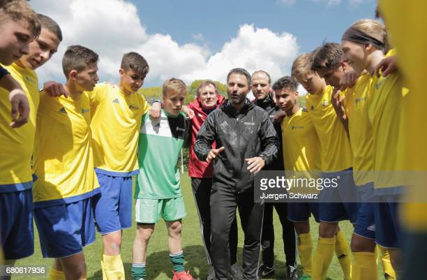 Players of Bayern listen to their headcoach Engin Yanova after winning the U16 Juniors Federal Cup at Sportschule Wedau on May 9 2017 in Duisburg...